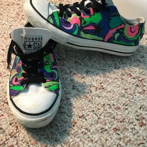 Woman's converse sneakers
